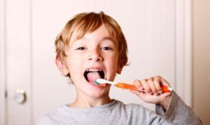 Børn og tandbørstning